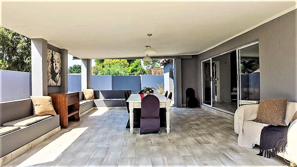 property-5442837-98298649_sd.jpeg