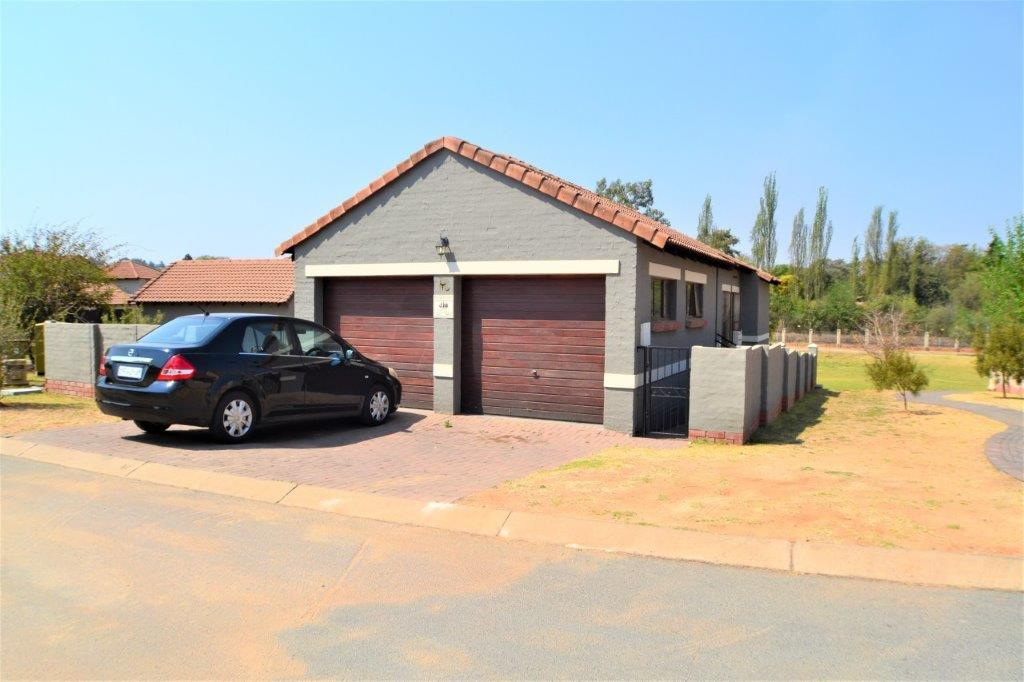 3 Bedroom Townhouse for sale in North Riding ENT0075414 : photo#1