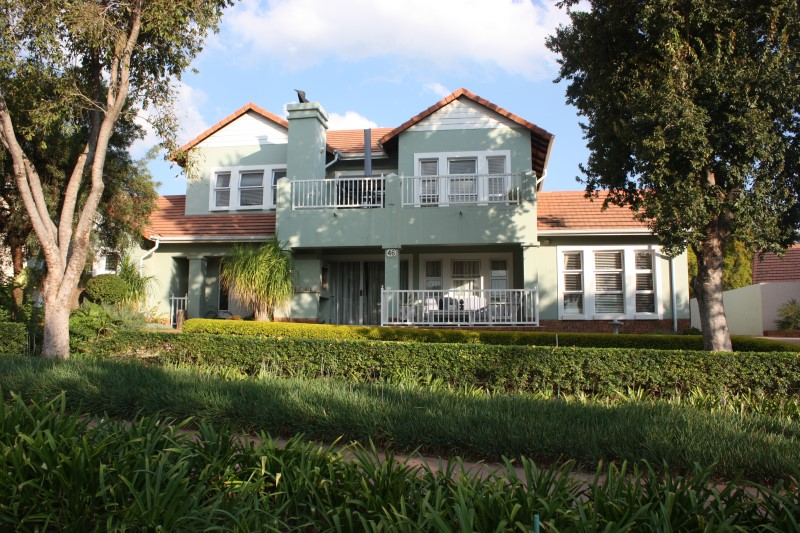 IMMACULATE 5 Bedroom House in Woodlands Estate