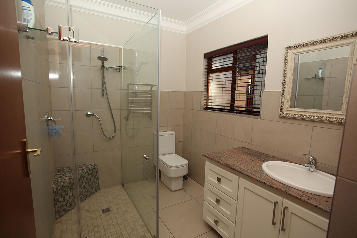 4 Bedroom House for sale in Waterkloof ENT0009460 : photo#19