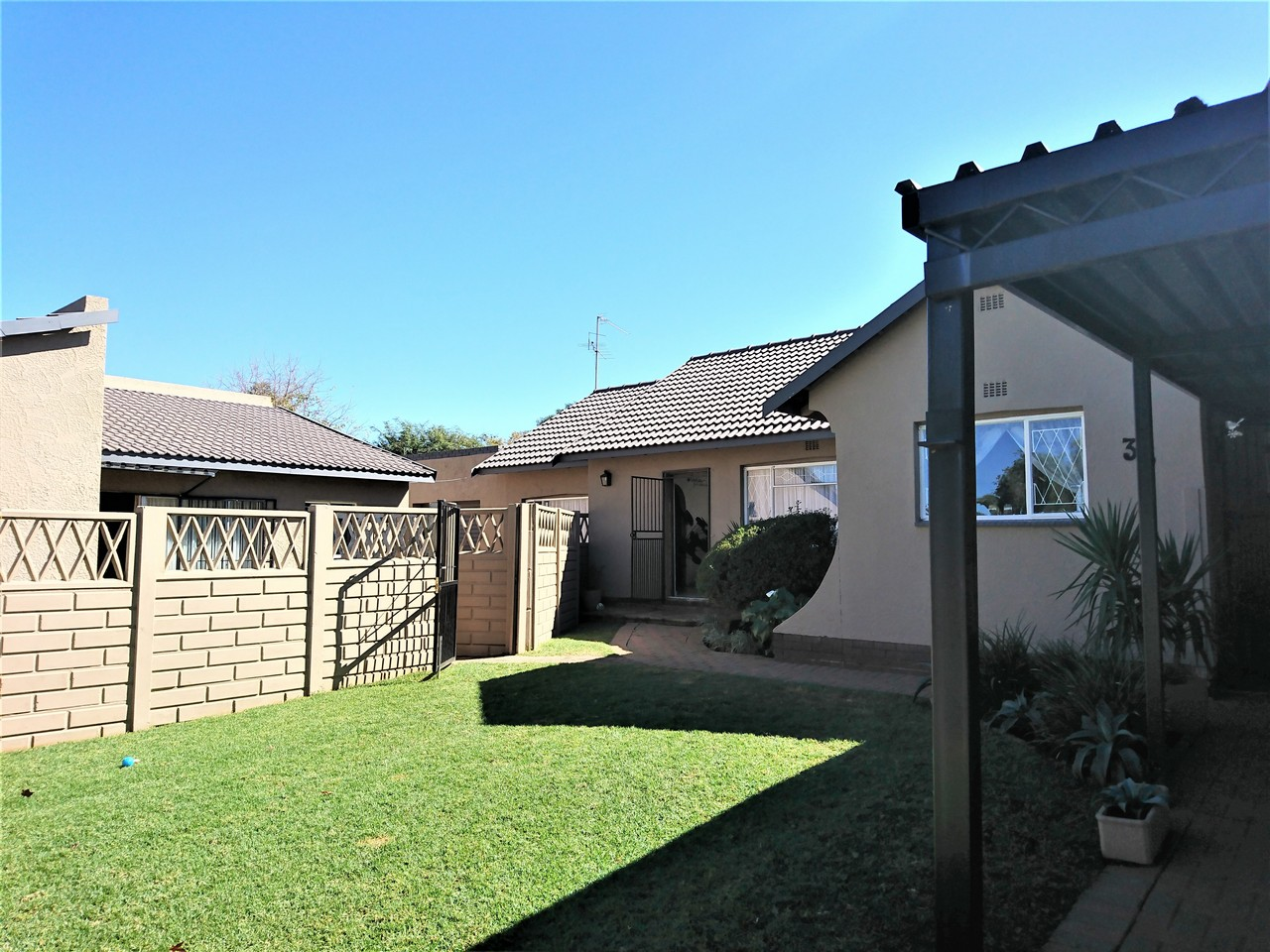 3 Bedroom House for sale in Brackendowns ENT0031078 : photo#3