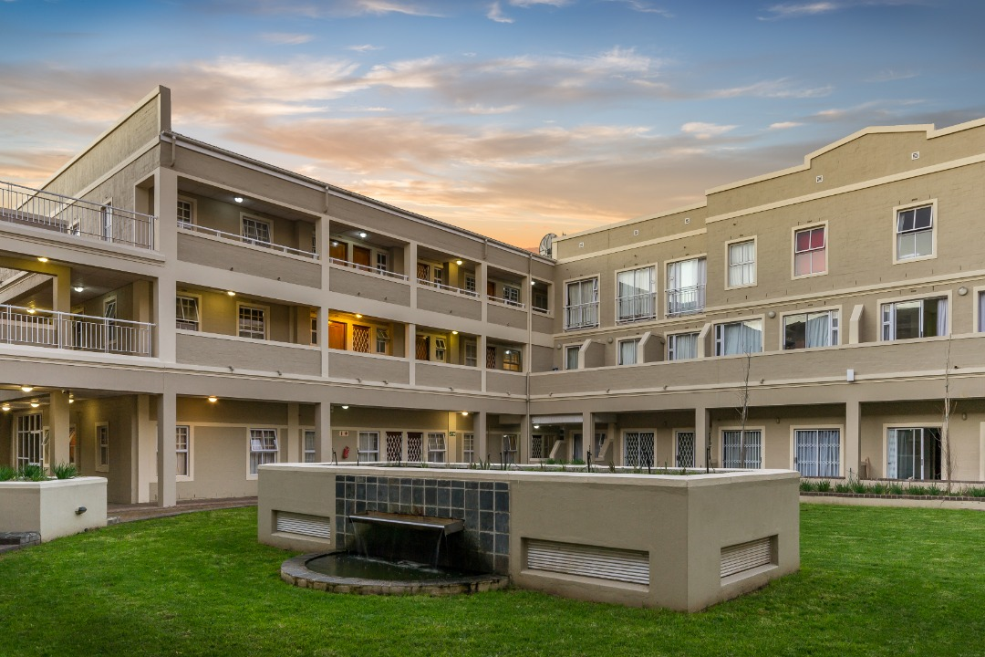 Ground Floor Bachelor Unit for Sale in Secure Complex