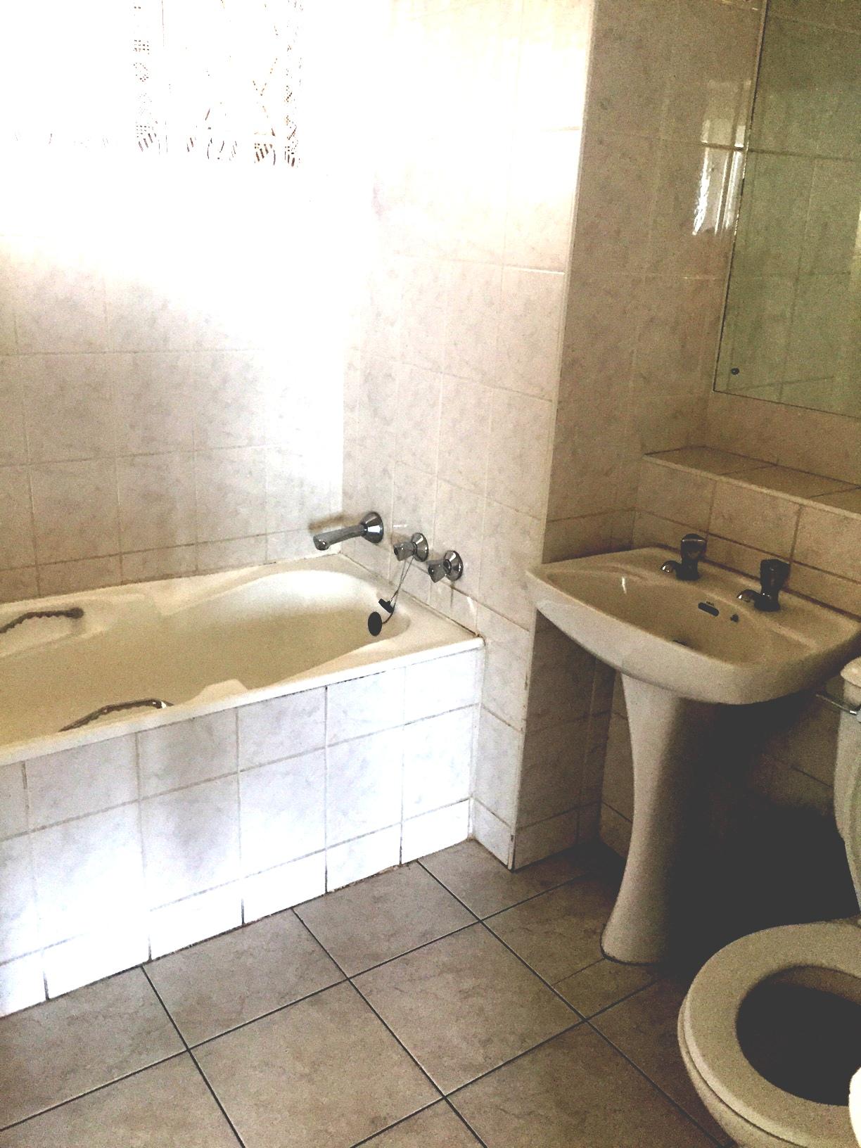 2 Bedroom Apartment for sale in Amanzimtoti ENT0055189 : photo#7