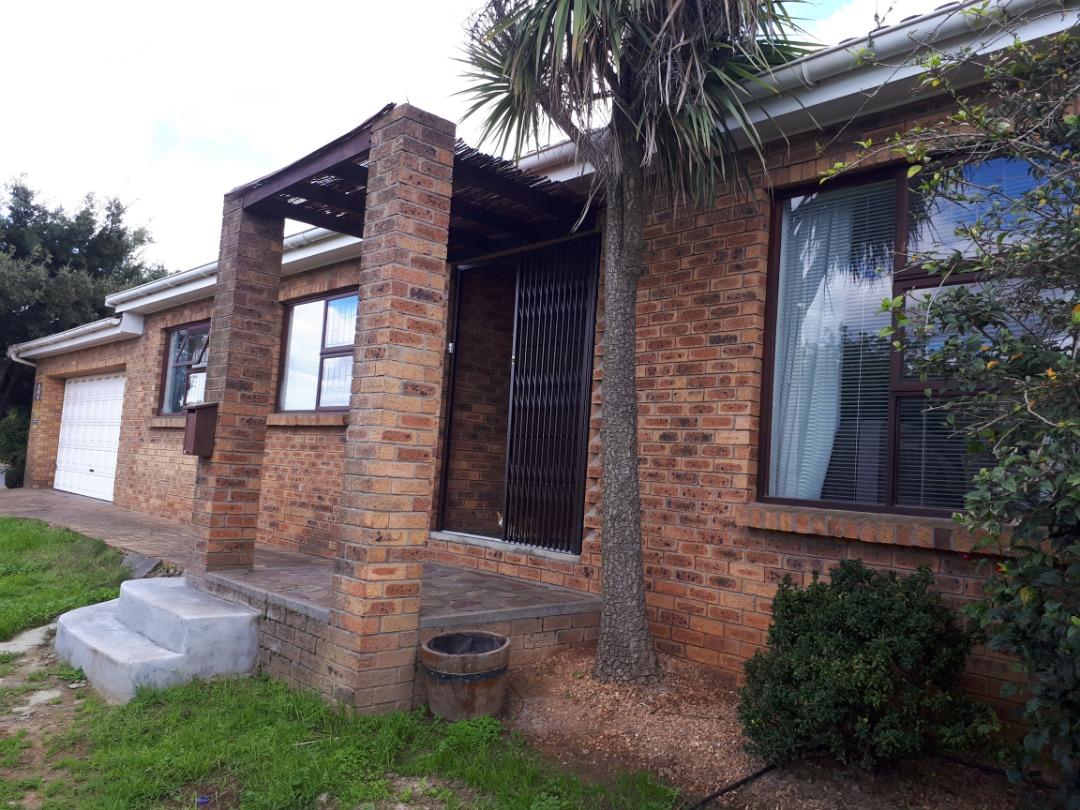 3 Bedroom Home in Langeberg Ridge