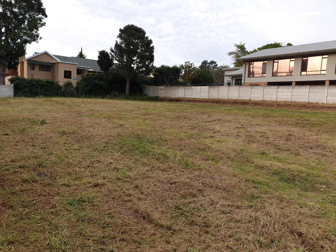 Large Vacant Stand in upmarket Camphersdrift