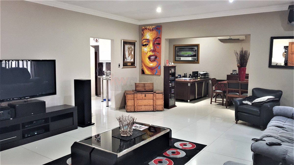 3 Bedroom House for sale in Florentia ENT0087081 : photo#1