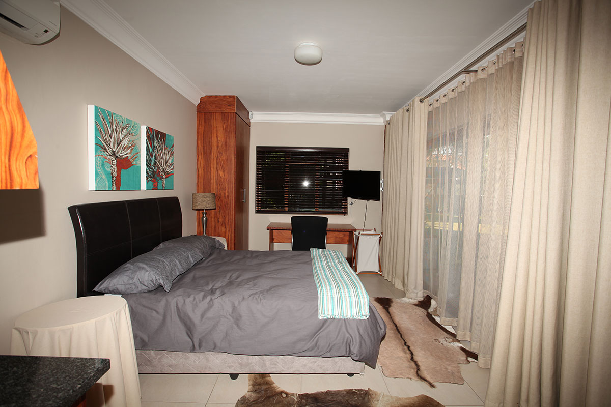 4 Bedroom House for sale in Waterkloof ENT0009460 : photo#18