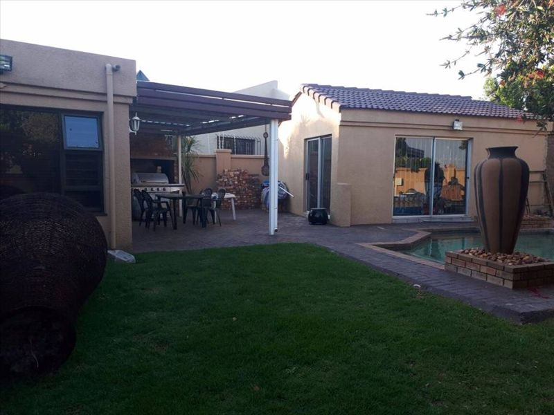3 BedroomHouse For Sale In Parkdene