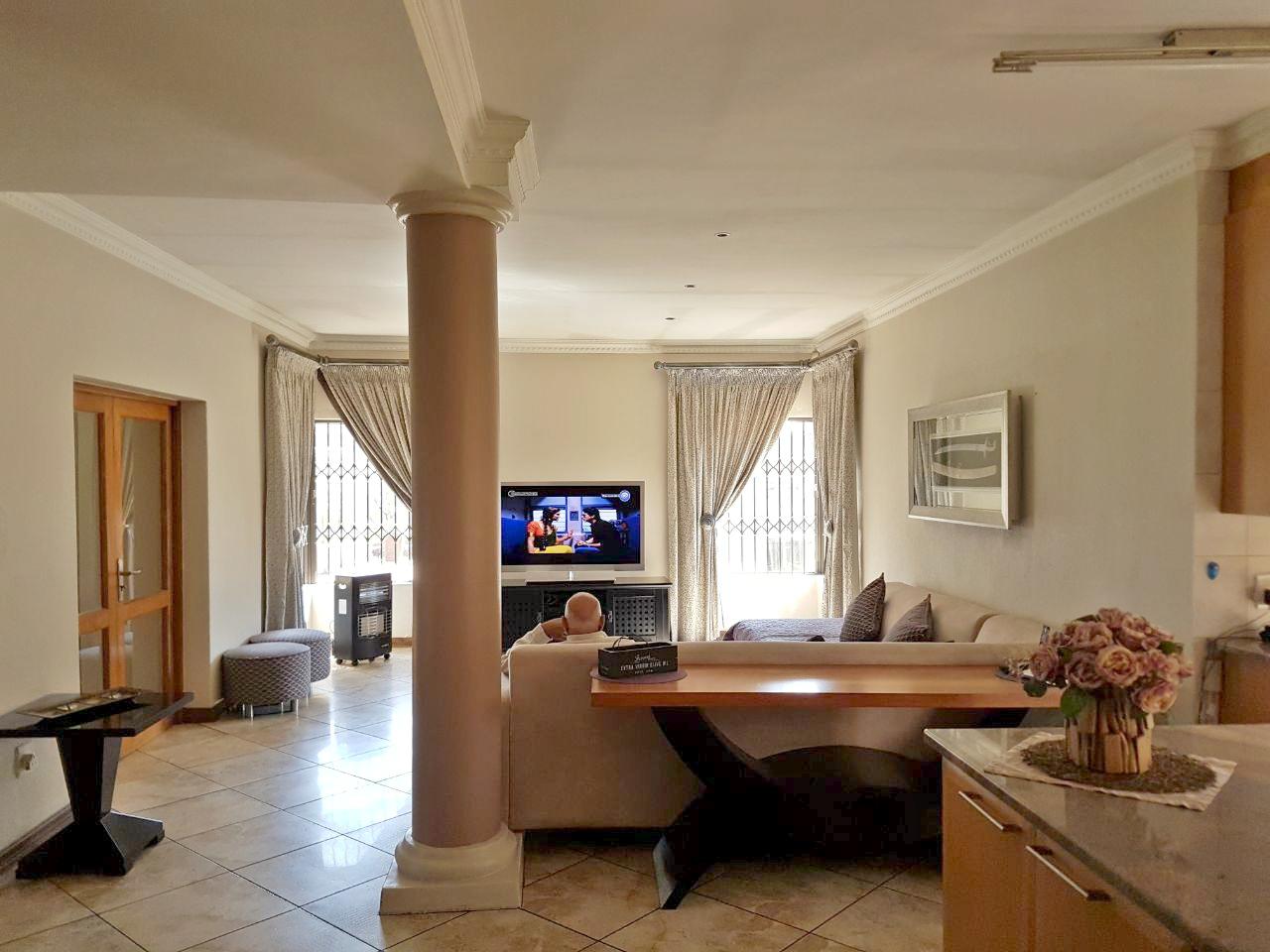 5 Bedroom House for sale in Eldoraigne ENT0074650 : photo#5