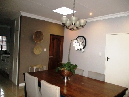 3 Bedroom House for sale in Clubview ENT0023287 : photo#5