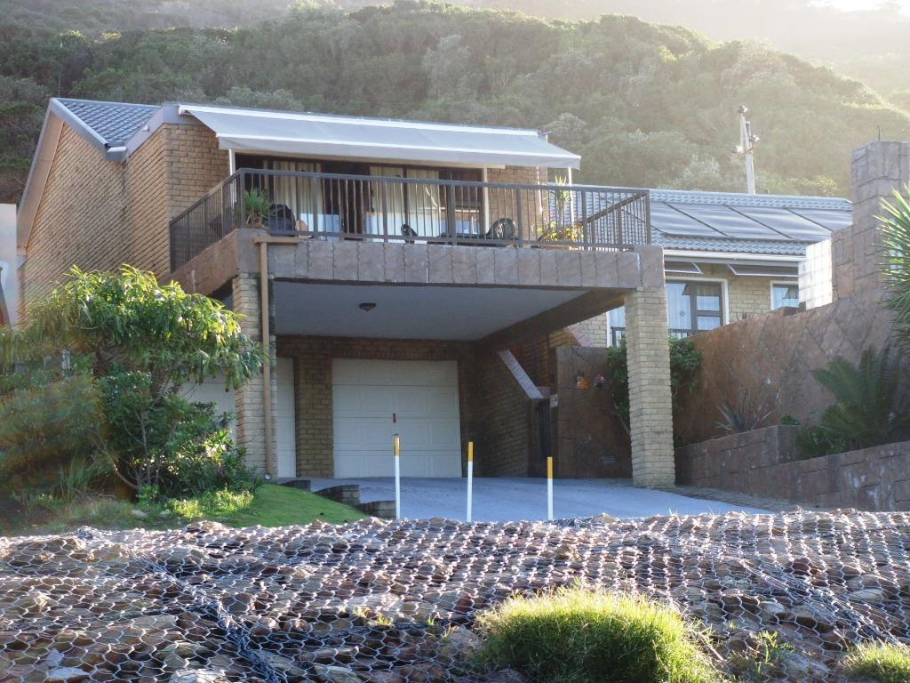 Holiday home close to the beach in Outeniquastrand