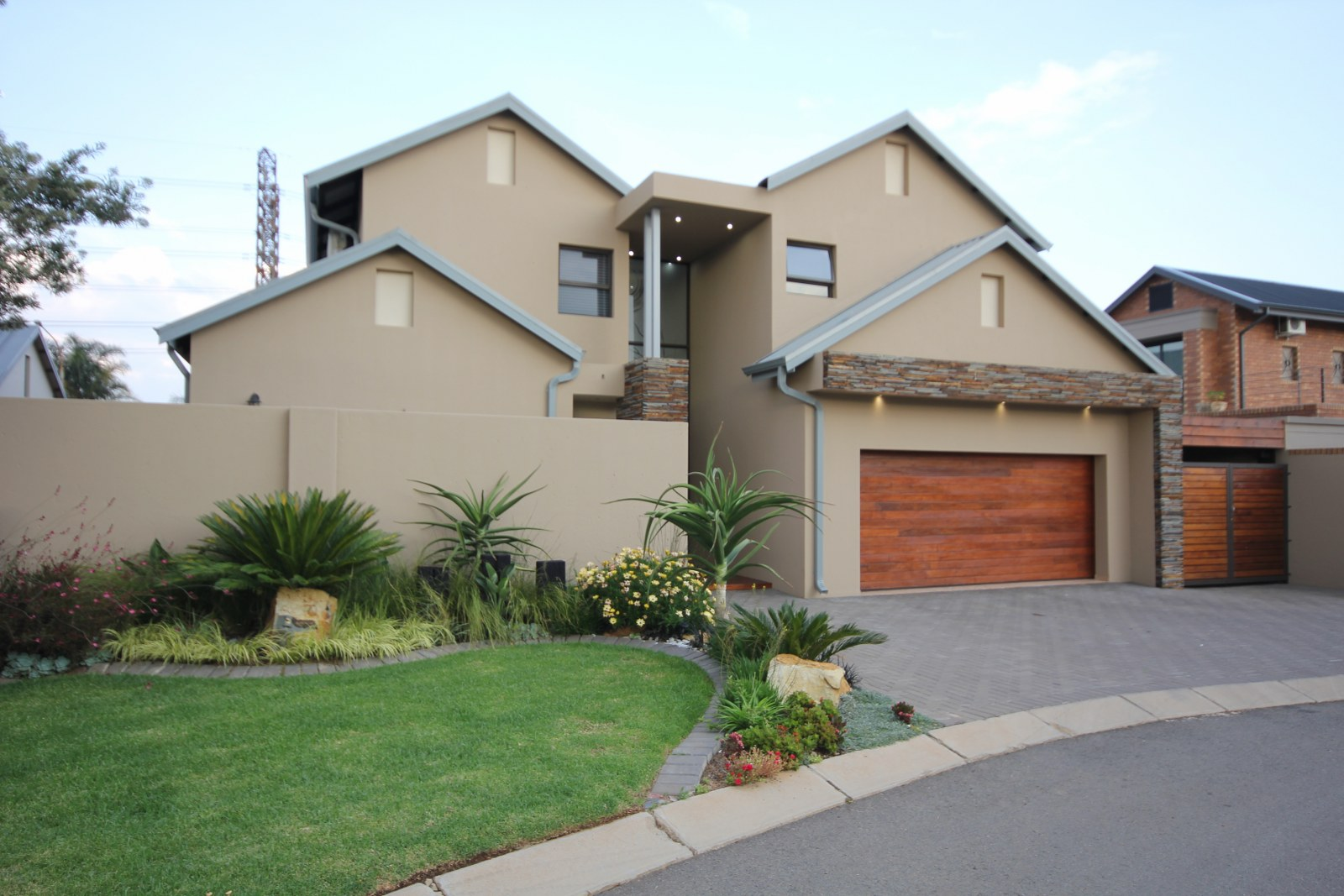4 BedroomHouse For Sale In Randhart