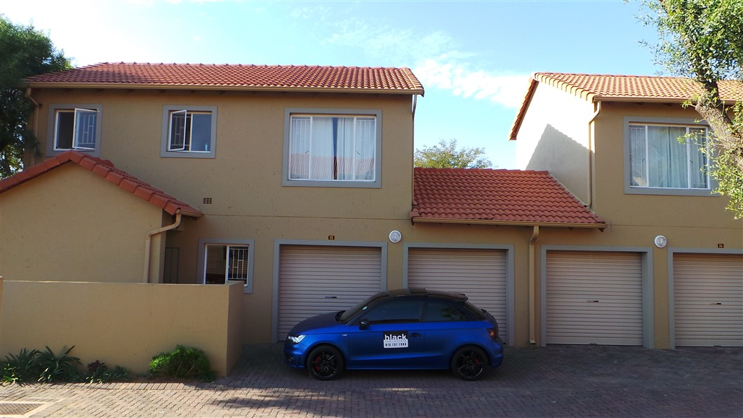 3 Bedroom Townhouse for sale in Northgate ENT0033297 : photo#0