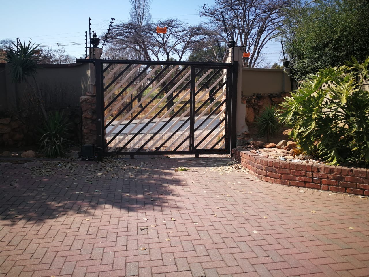 STUNNING 4 BEDROOM HOME FOR SALE IN GERMISTON!