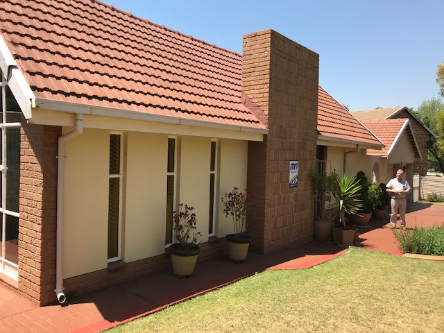 Well Maintained 4 Bedroom Family Home