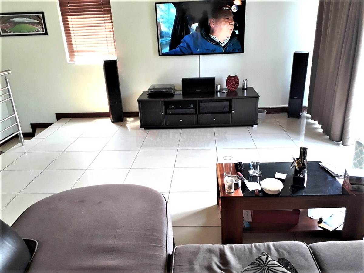 4 Bedroom House for sale in South Crest ENT0077921 : photo#1
