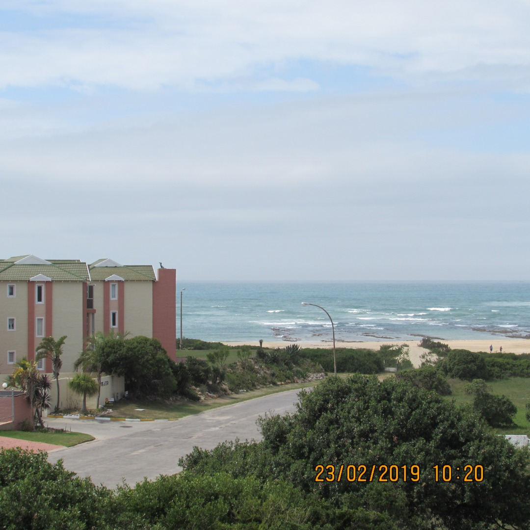 Secure lock up & go 3 bed apartment - Aston Bay