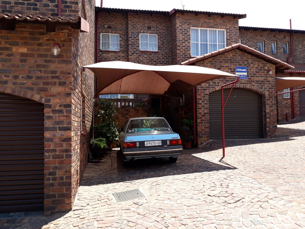 3 Bedroom Townhouse for sale in Ridgeway Ext 5 ENT0074821 : photo#0