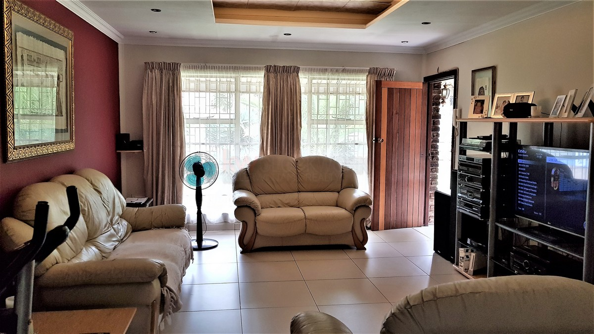 3 Bedroom House for sale in Verwoerdpark ENT0084386 : photo#11