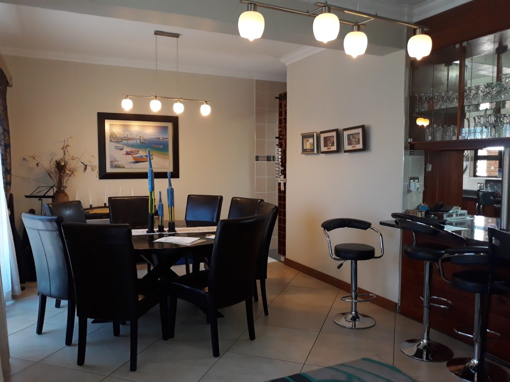 4 Bedroom House for sale in South Crest ENT0074591 : photo#4