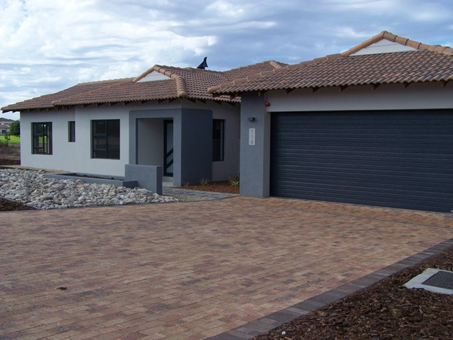 3 BedroomHouse For Sale In Langebaan Country Estate