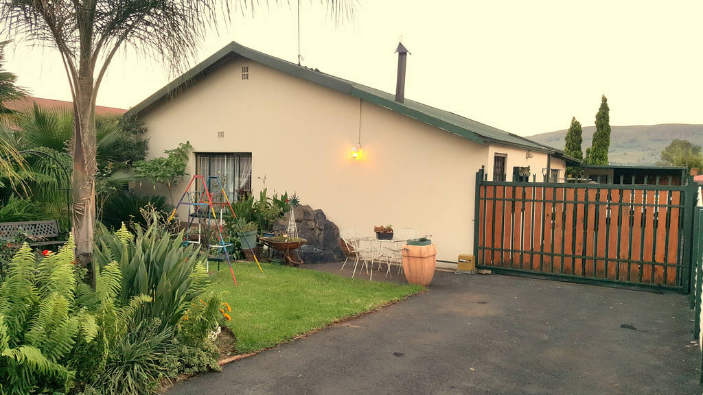 Neat as a pin 3 Bedroom House for sale in Daspoort