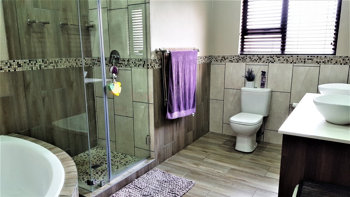 4 Bedroom House for sale in Randhart ENT0080568 : photo#8