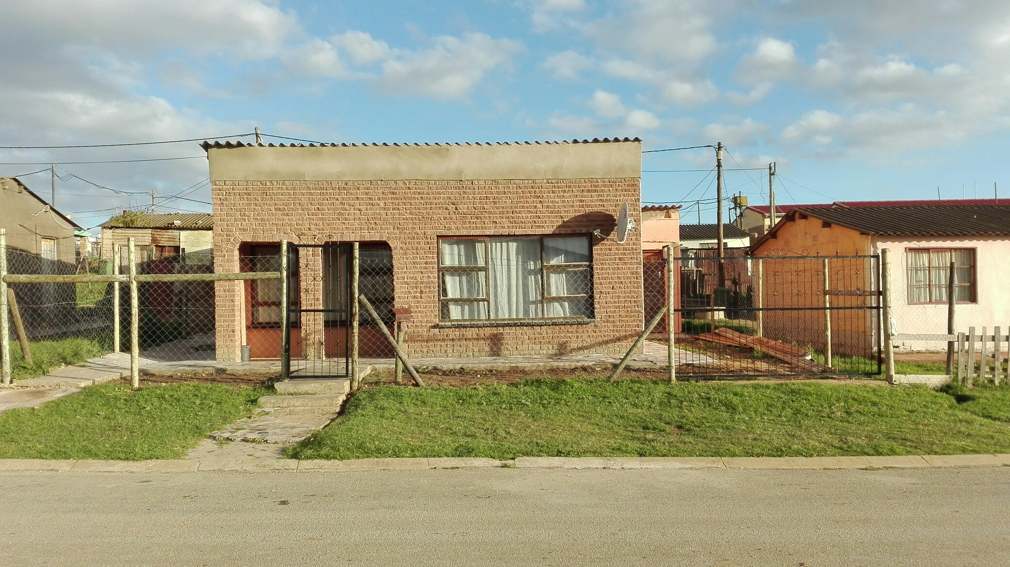 2 BedroomHouse For Sale In Kwanobuhle