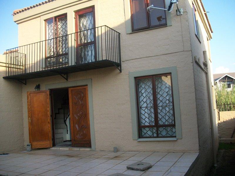 3 BedroomTownhouse For Sale In Halfway Gardens