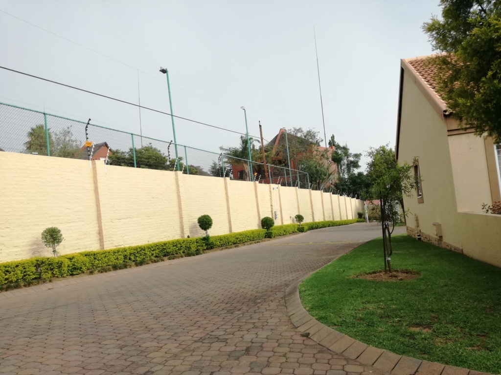 2 Bedroom Townhouse for sale in Sunninghill ENT0084557 : photo#5