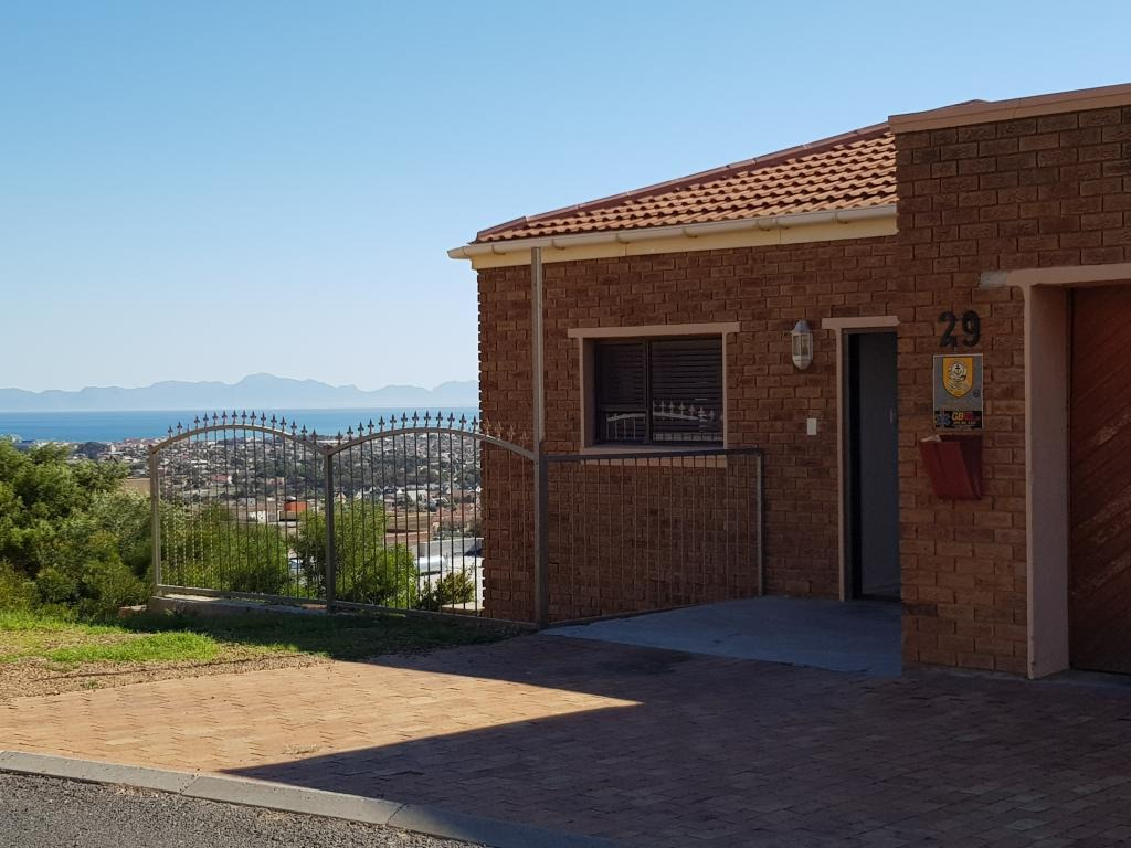 3 BedroomHouse For Sale In Mountainside
