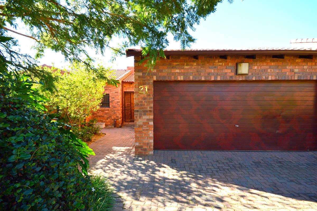 3 Bedroom Townhouse for sale in North Riding ENT0029080 : photo#0