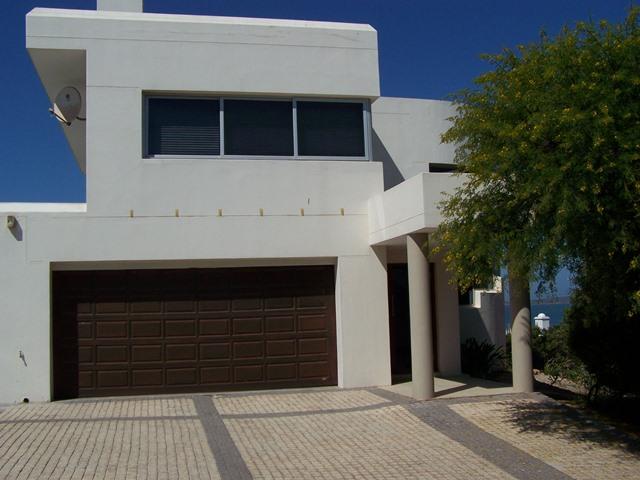 4 BedroomHouse For Sale In Calypso Beach