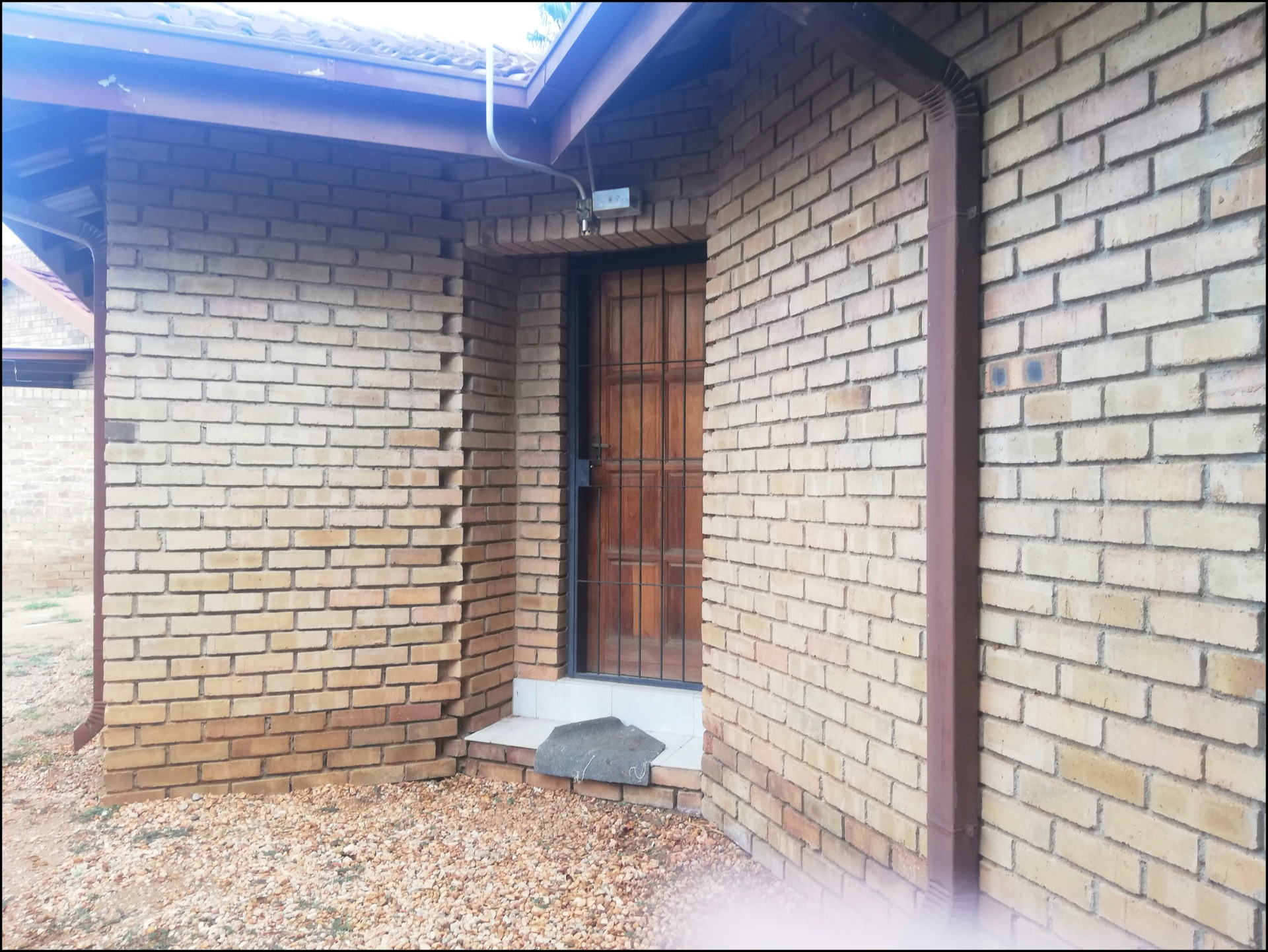 Upper Fixer House for Sale