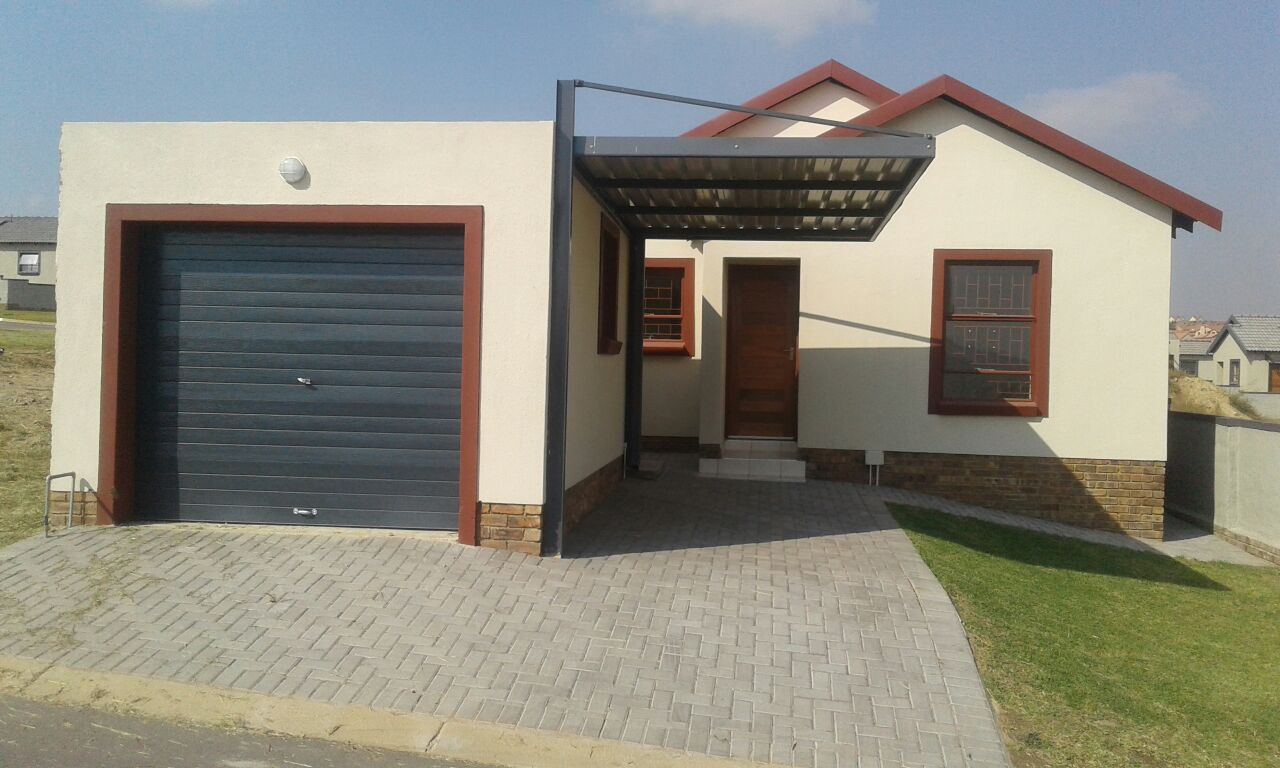 3 bedroom house for sale in kosmosdal