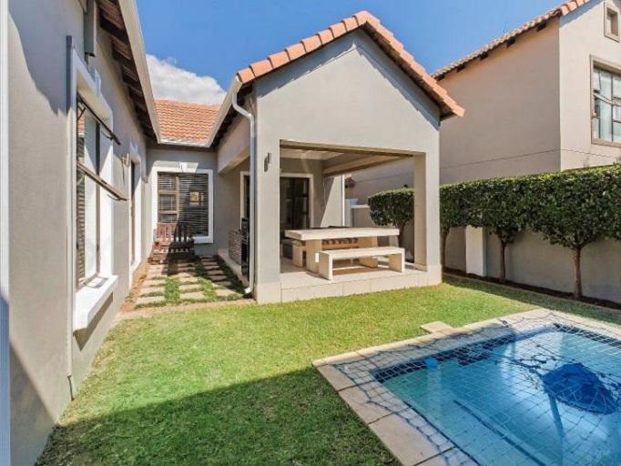 3 BedroomHouse To Rent In Broadacres