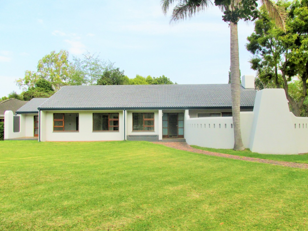 Newly renovated 4 Bedroom Home in Popular Area of Camphersdrift