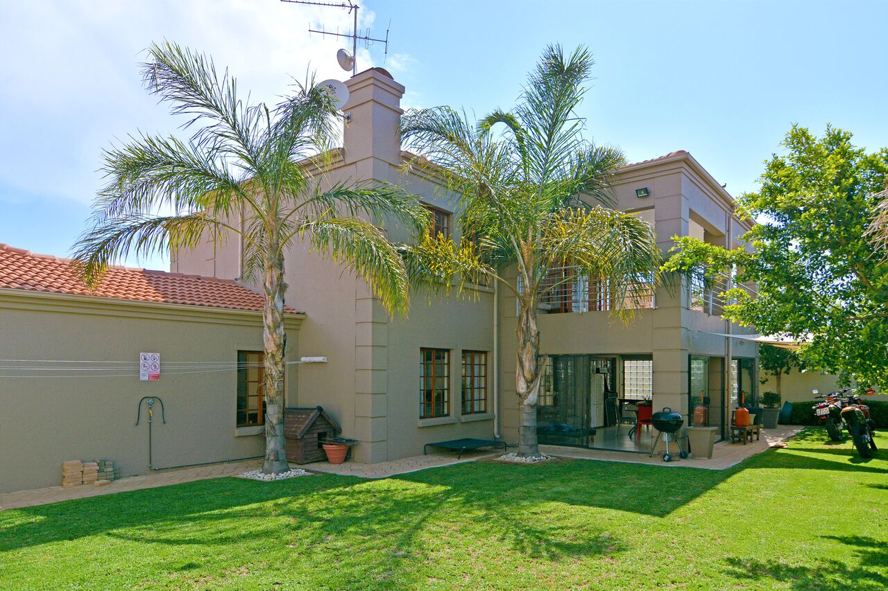 3 BedroomHouse For Sale In Kyalami