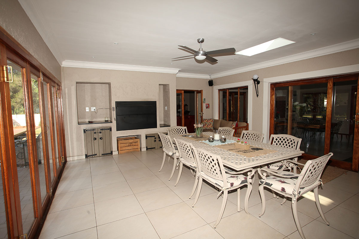 4 Bedroom House for sale in Waterkloof ENT0009460 : photo#11