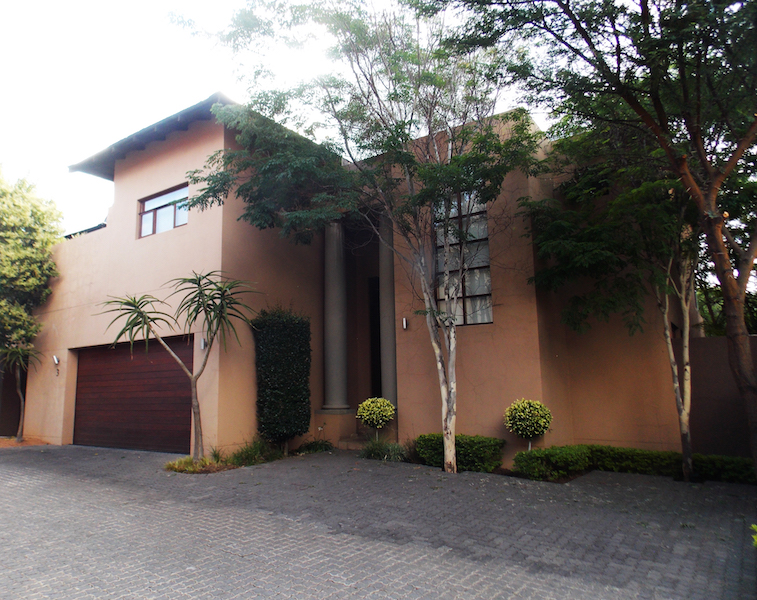 4 BedroomHouse For Sale In Sandhurst