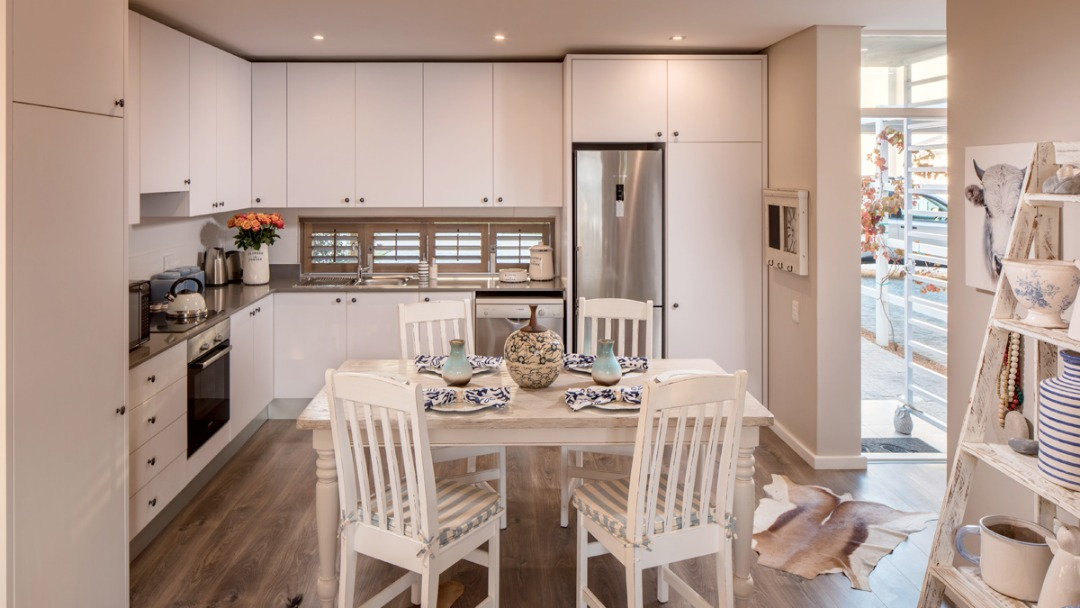 Very modern 2 bedroom Townhouse in Somerset Lakes