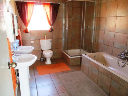 5 Bedroom House for sale in Clubview ENT0066765 : photo#10