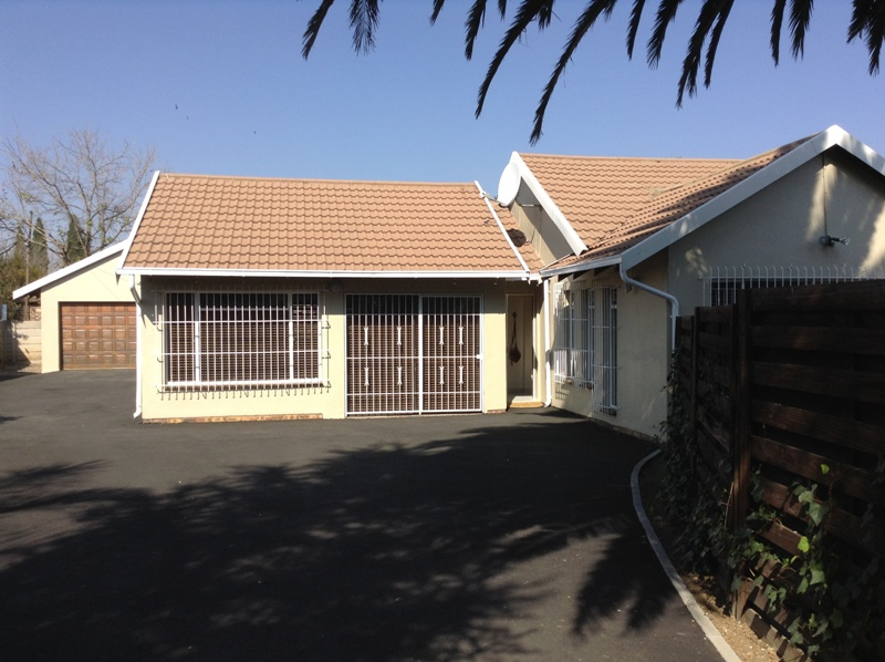 3 BedroomHouse For Sale In Eden Glen