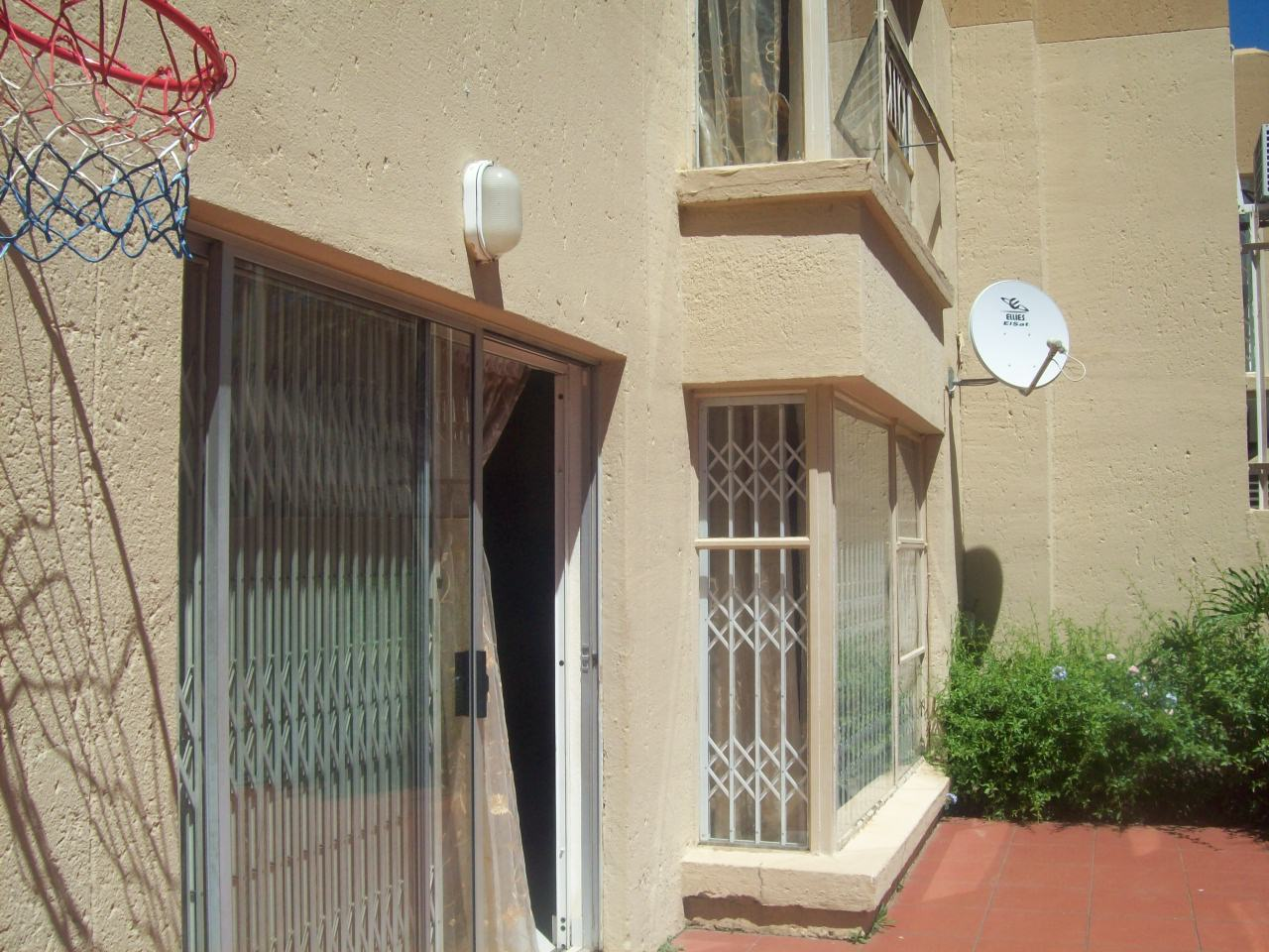 3 Bedroom Townhouse for sale in Bassonia ENT0071278 : photo#53