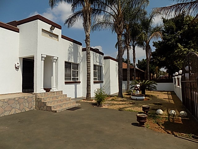 5 Bedroom House for sale in Montana Park ENT0067758 : photo#2
