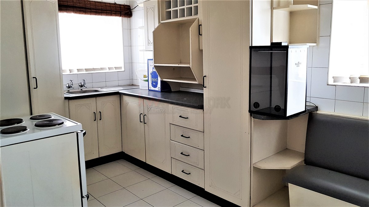 3 Bedroom House for sale in Verwoerdpark ENT0084389 : photo#16