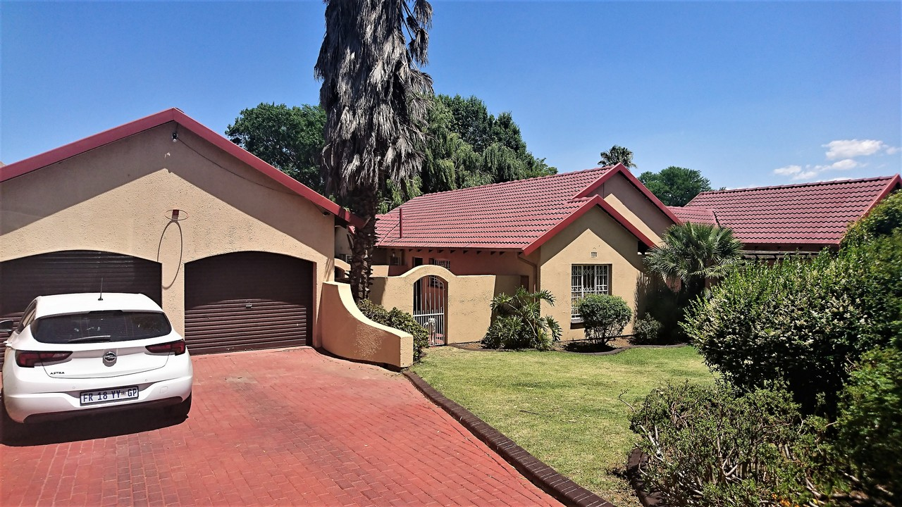 3 Bedroom House for sale in Brackendowns ENT0077762 : photo#3