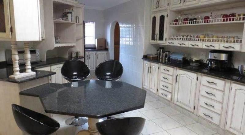 KLINKER 5 BEDROOM HOME IN MEYERSDAL ESTATE - PRICE REDUCED