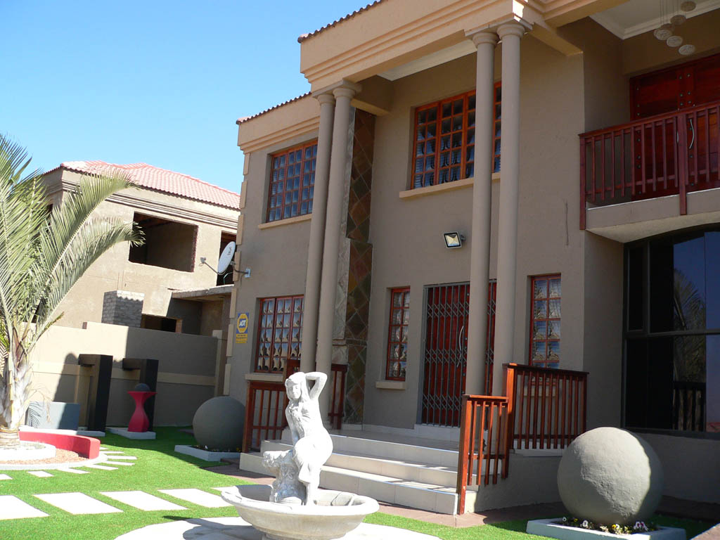 Have it all in one Lovely House close to Mall of the North, Polokwane