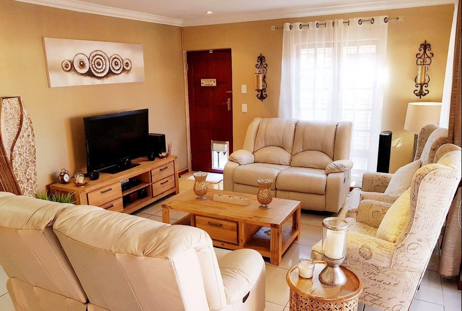 3 Bedroom Townhouse for sale in New Redruth ENT0092992 : photo#2